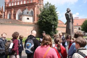 12 pomnik adama mickiewicza 20101229 1117309147